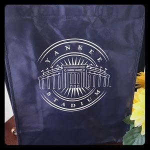 NWOT small authentic NY Yankees tote bag